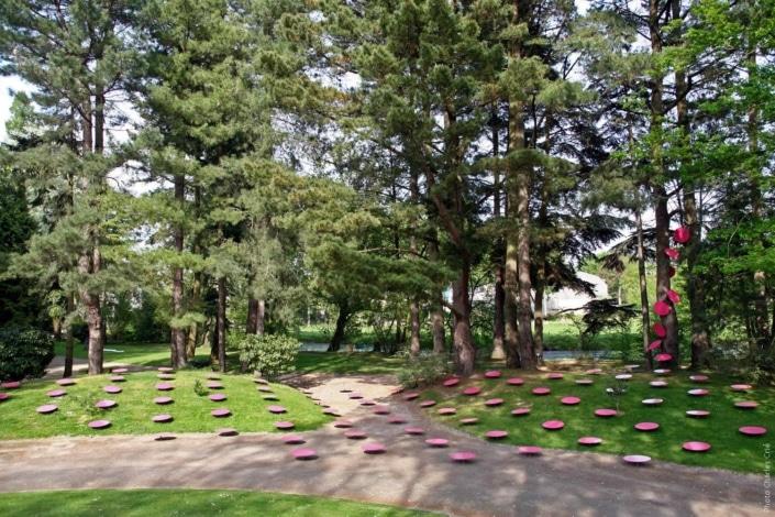 Environnement à Pois Roses - Marie-Hélène Richard - Jardin des Arts 2007